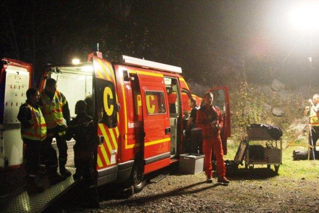 les-operations-de-secours-ont-ete-engagees-dimanche-vers-18-heures-les-deux-hommes-ont-reussi-a-sortir-du-reseau-souterrain-peur-avant-21-heures-photo-le-dl
