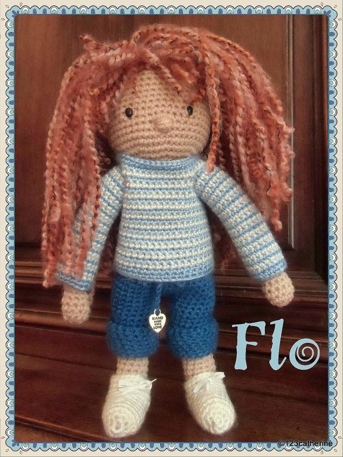 Flo, petite poupée au crochet