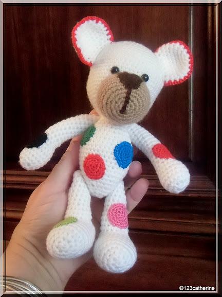 Petit ours au crochet