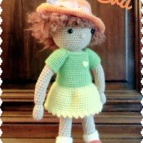 Eva petite poupée au crochet